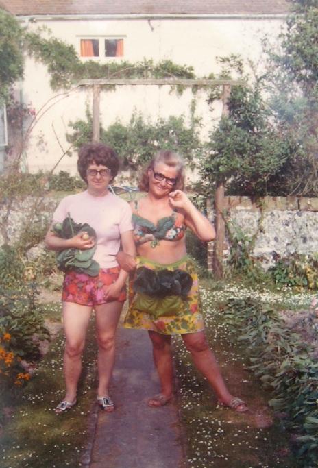 Bertha Hawkins >> Vera May Jewell